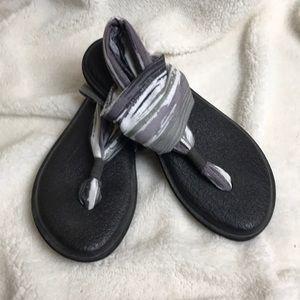Sanuk yoga sling flip flop sandals size 5 EUC